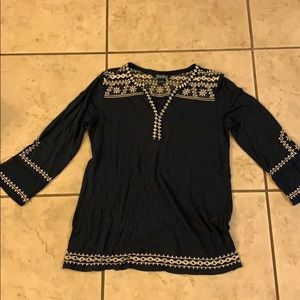 Lucky brand tunic in navy.